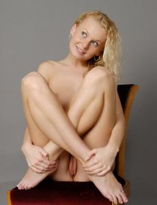Wonderful blonde Katka got perfect body