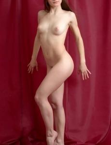 Flexible Christina shows her body