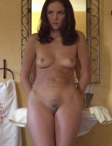 Naked Caroline in bath