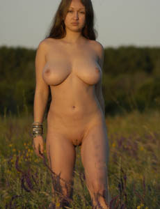 Big boobs playful Aneli in the field (part 1)