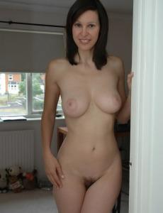 Busty housewife Amanda has hairy slut