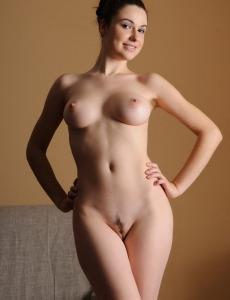 Hairy pussy busty brunette hottie Valda
