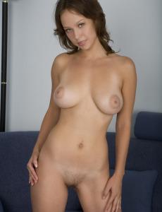 Hairy pussy busty goddess Julisha