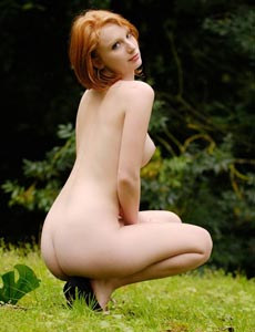 Hairy pussy redhead Clelia at the nature