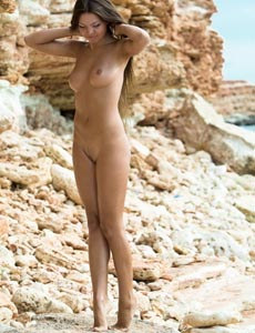 Naked erotic Gabrielle