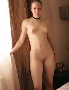 Nude Dian in her bedroom