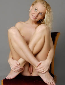 Wonderful blonde Katka got perfect body